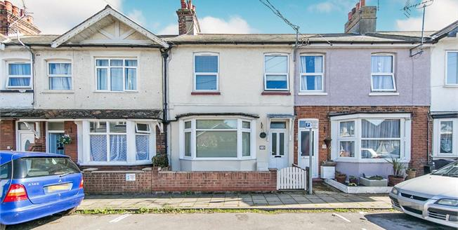 Guide Price £200,000, 3 Bedroom Terraced House For Sale in Walton on the Naze, CO14