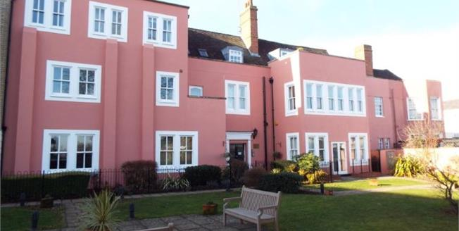 Asking Price £245,000, 2 Bedroom Flat For Sale in Colchester, CO1