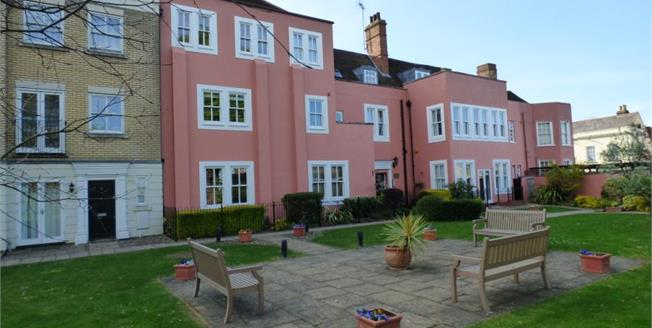 Asking Price £240,000, 2 Bedroom Flat For Sale in Colchester, CO1