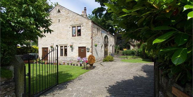 Asking Price £410,000, 3 Bedroom Detached House For Sale in Rossendale, BB4