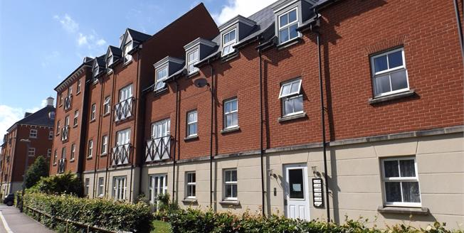 Offers in excess of £160,000, 2 Bedroom Flat For Sale in Colchester, CO2
