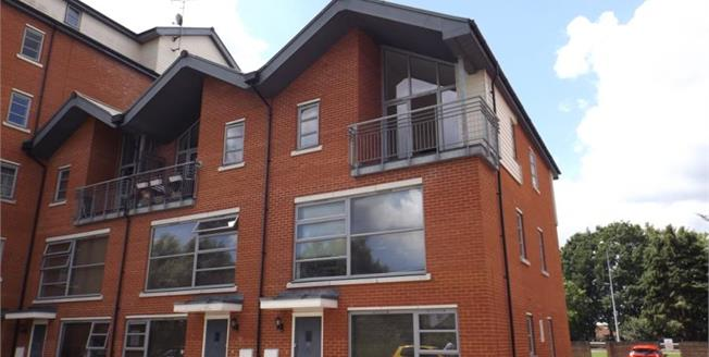 Asking Price £240,000, 3 Bedroom Flat For Sale in Colchester, CO3