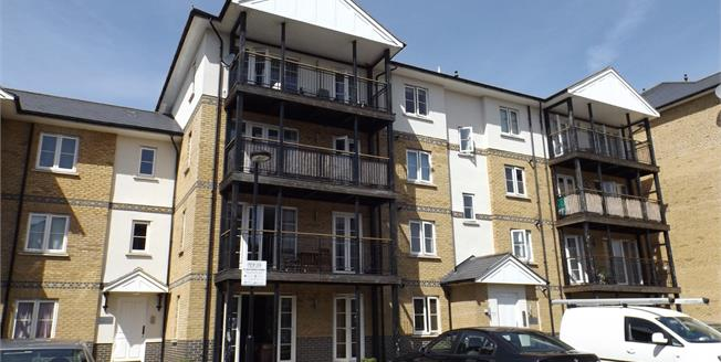 Asking Price £195,000, 2 Bedroom Flat For Sale in Colchester, CO1