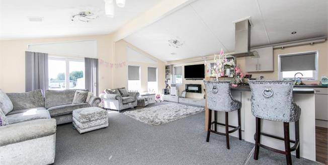 Guide Price £70,000, 2 Bedroom Detached Mobile Home For Sale in Clacton On Sea, CO16