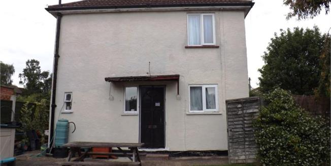 £400,000, 2 Bedroom Semi Detached House For Sale in Epping, CM16