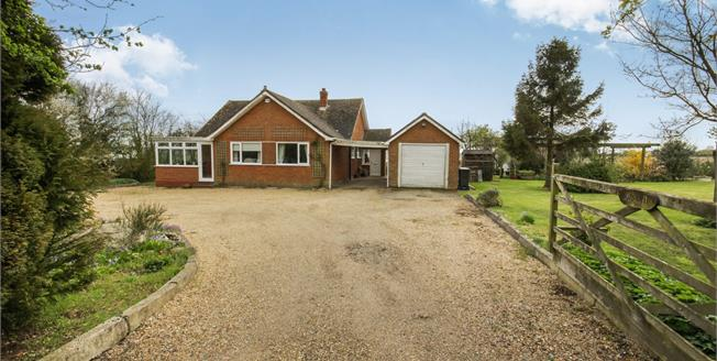 Asking Price £800,000, 3 Bedroom Detached Bungalow For Sale in Harlow, CM18