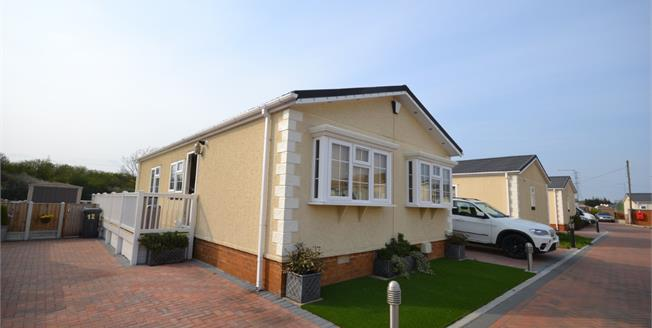 Asking Price £210,000, 2 Bedroom Mobile Home For Sale in Battlesbridge, SS11