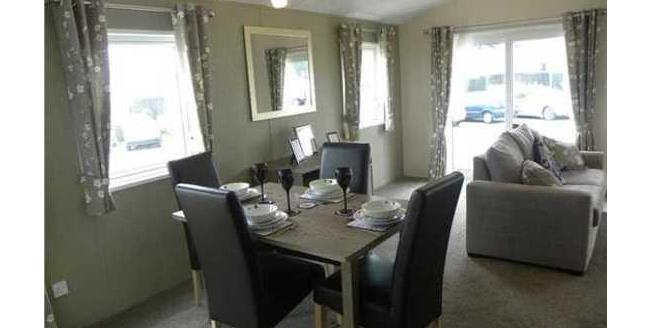 £80,000, 2 Bedroom Detached House For Sale in Walton on the Naze, CO14