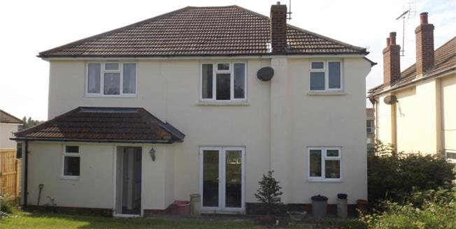 £310,000, 5 Bedroom Detached House For Sale in Walton on the Naze, CO14