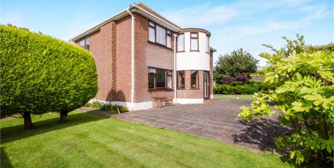 Offers Over £470,000, 4 Bedroom Detached House For Sale in Kirby Cross, CO13