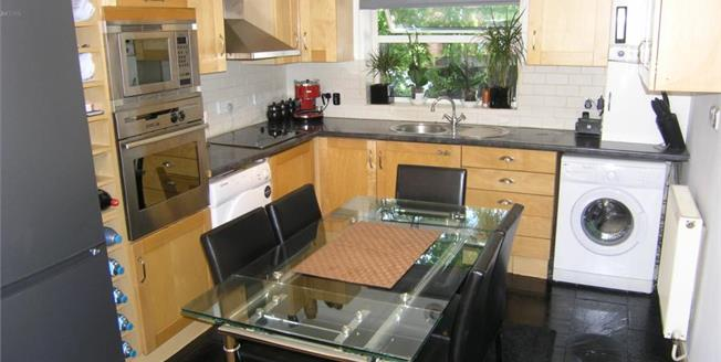 Offers in excess of £275,000, 2 Bedroom Flat For Sale in Loughton, IG10