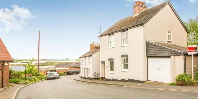 Guide Price £475,000, 3 Bedroom Detached Cottage For Sale in Maldon, CM9