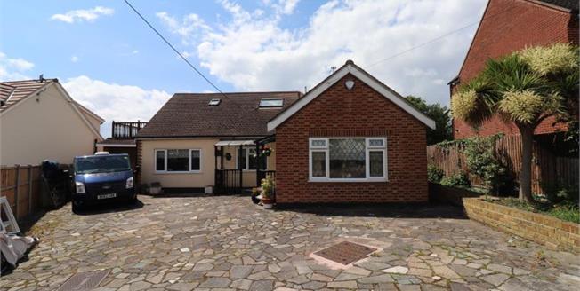 £520,000, 4 Bedroom Detached Bungalow For Sale in Benfleet, SS7