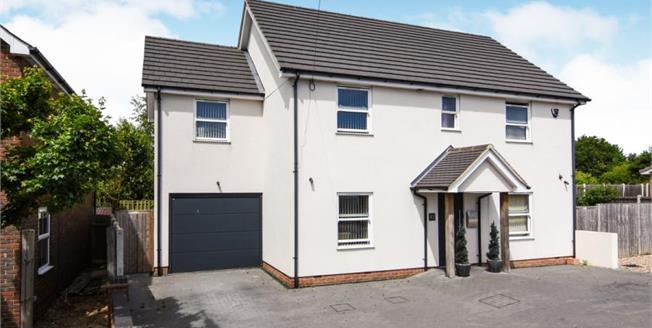 £530,000, 5 Bedroom Detached House For Sale in Benfleet, SS7