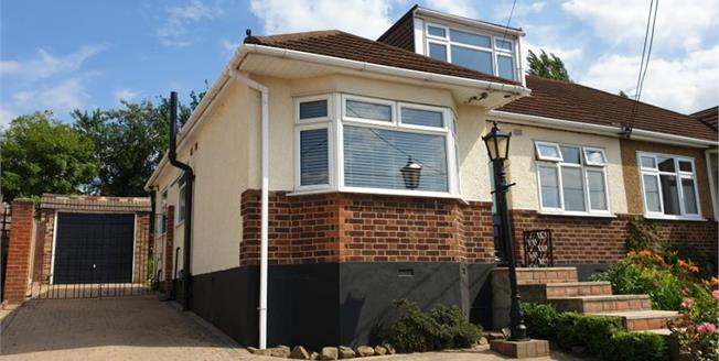 £350,000, 3 Bedroom Semi Detached House For Sale in Rayleigh, SS6