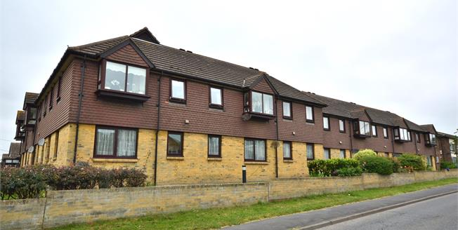 Asking Price £115,000, 1 Bedroom Flat For Sale in Rochford, SS4
