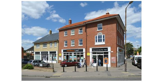 Asking Price £190,000, 2 Bedroom Flat For Sale in Rochford, SS4