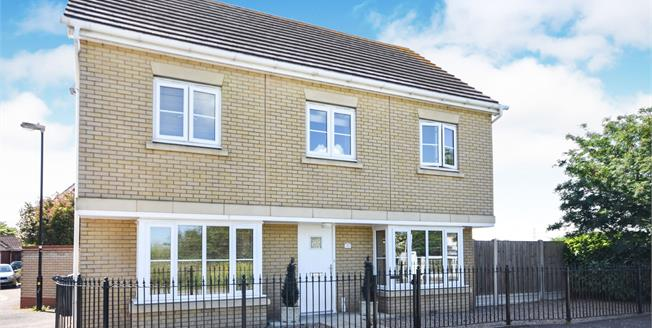 Asking Price £495,000, 4 Bedroom Detached House For Sale in Rochford, SS4