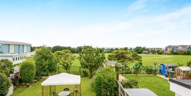 Offers in excess of £500,000, 4 Bedroom Detached House For Sale in Southend-on-Sea, SS2