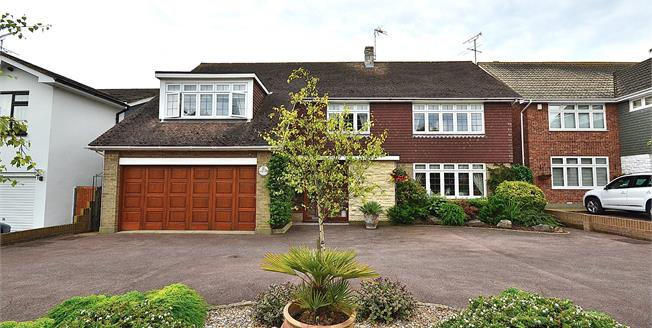 Asking Price £775,000, 4 Bedroom Detached House For Sale in Southend-on-Sea, SS2