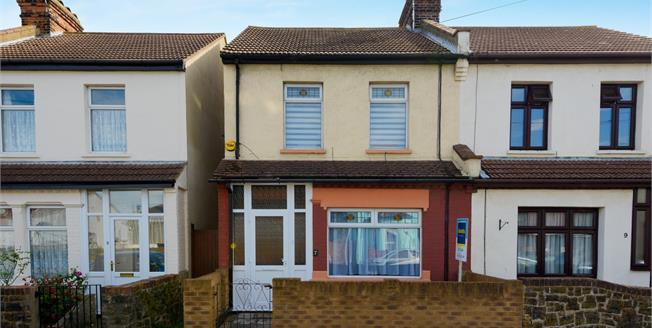 Asking Price £240,000, 3 Bedroom Semi Detached House For Sale in Shoeburyness, SS3