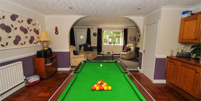 £425,000, 4 Bedroom Detached House For Sale in Waddington, LN5