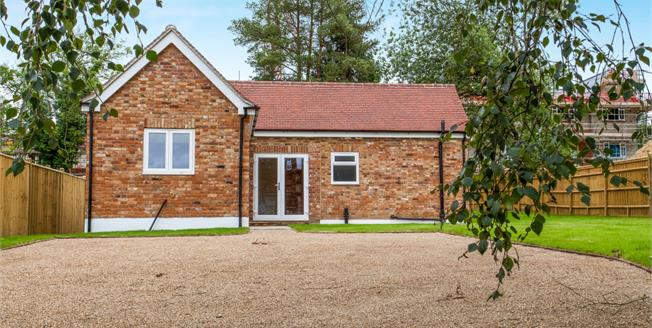 Asking Price £500,000, 3 Bedroom Detached Bungalow For Sale in Hawkhurst, TN18