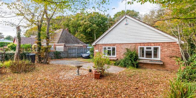 £450,000, 3 Bedroom Detached Bungalow For Sale in Biddenden, TN27