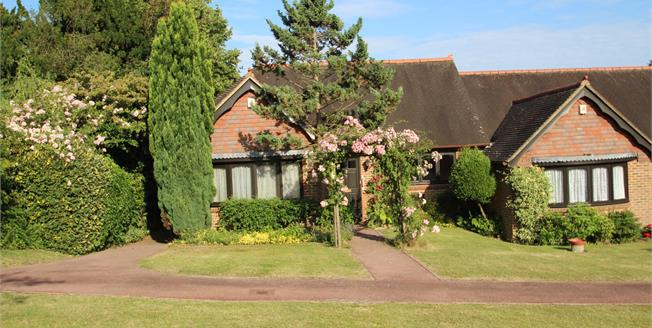 Asking Price £300,000, 2 Bedroom Semi Detached Bungalow For Sale in Hawkhurst, TN18
