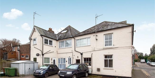 Offers Over £230,000, 3 Bedroom Flat For Sale in Hawkhurst, TN18