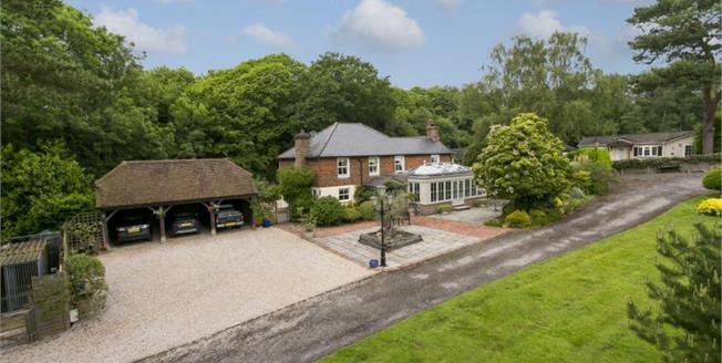 £1,250,000, 4 Bedroom Detached House For Sale in Horam, TN21