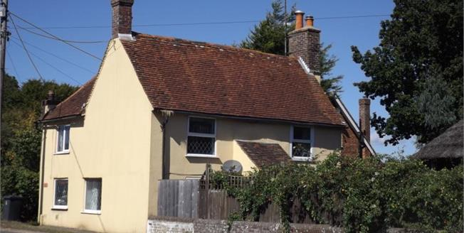 Guide Price £280,000, 3 Bedroom Detached Cottage For Sale in Lower Horsebridge, BN27