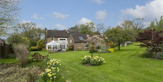 Asking Price £975,000, 5 Bedroom Detached House For Sale in Broad Oak, TN21