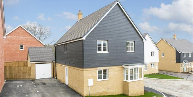 £410,000, 4 Bedroom Detached House For Sale in East Sussex, TN21