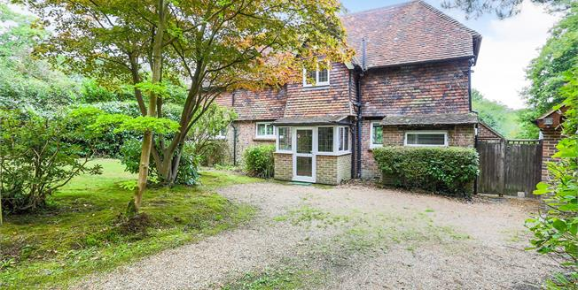 Guide Price £625,000, 3 Bedroom Detached House For Sale in Cross in Hand, TN21