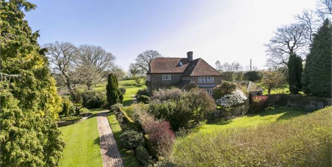 Guide Price £1,250,000, 5 Bedroom Detached House For Sale in Heathfield, TN21