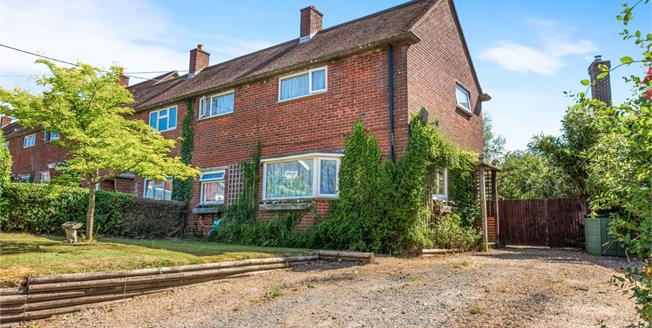 Guide Price £300,000, 3 Bedroom End of Terrace House For Sale in Punnetts Town, TN21