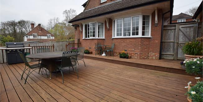 Asking Price £499,950, 3 Bedroom Detached House For Sale in Mayfield, TN20