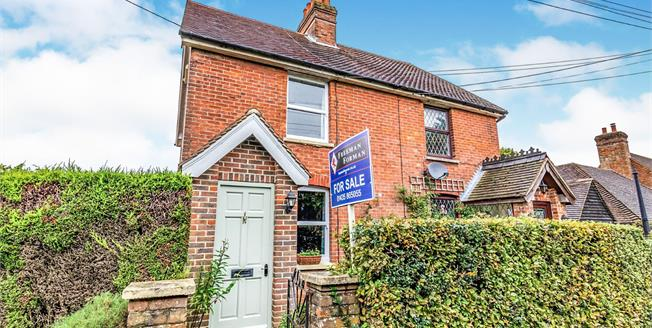 Guide Price £375,000, 3 Bedroom Semi Detached Cottage For Sale in Turners Green, TN21