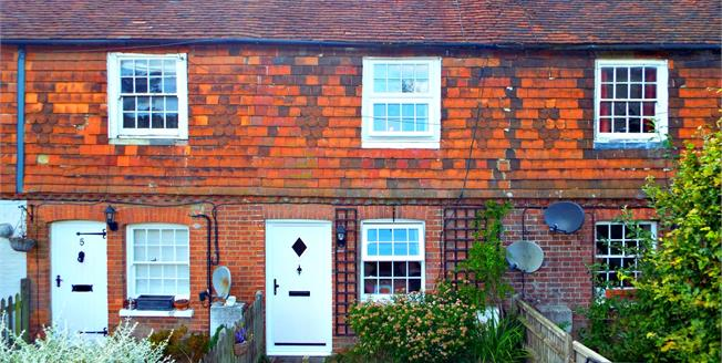 Asking Price £255,000, 2 Bedroom Terraced Cottage For Sale in Mark Cross, TN6
