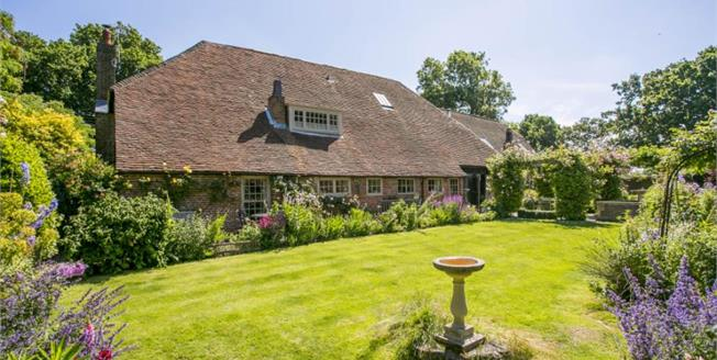 Guide Price £875,000, 7 Bedroom Detached House For Sale in Bexhill-on-Sea, TN39