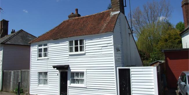 Asking Price £279,950, 3 Bedroom Detached Cottage For Sale in Robertsbridge, TN32