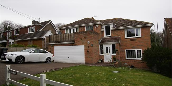 Guide Price £575,000, 5 Bedroom Detached House For Sale in Fairlight, TN35
