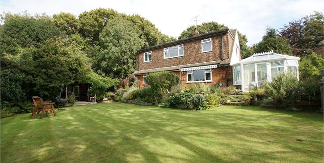 Guide Price £565,000, 3 Bedroom Detached House For Sale in Pett, TN35