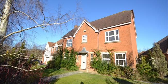 Guide Price £500,000, 4 Bedroom Detached House For Sale in Flimwell, TN5