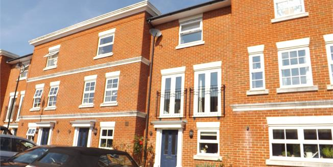Asking Price £425,000, 3 Bedroom Terraced House For Sale in Tonbridge, TN10