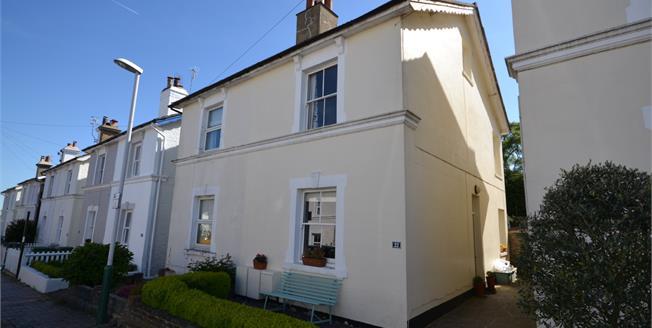 Guide Price £450,000, 3 Bedroom Semi Detached House For Sale in Tunbridge Wells, TN1