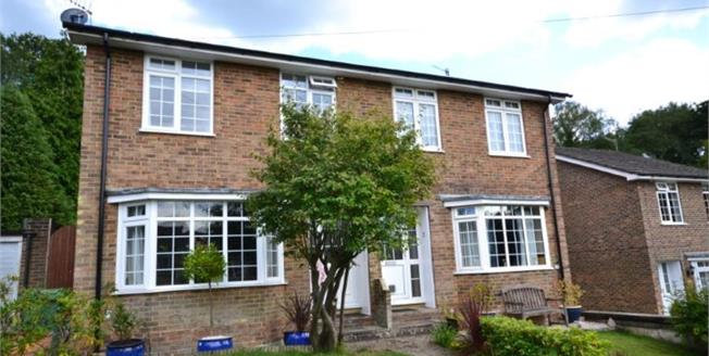 Guide Price £425,000, 3 Bedroom Semi Detached House For Sale in Tunbridge Wells, TN2