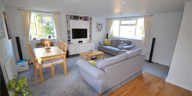 Asking Price £185,000, 1 Bedroom Flat For Sale in Tunbridge Wells, TN2