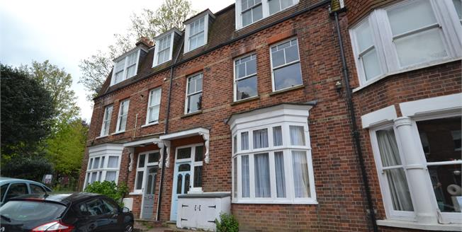 Asking Price £320,000, 1 Bedroom Ground Floor Flat For Sale in Tunbridge Wells, TN1